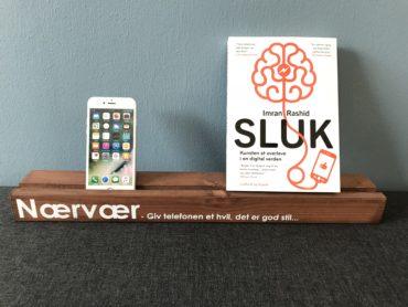 Mobilholder og Imran Rashids SLUK bog
